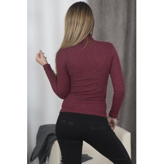 A blouse with golf burgundy