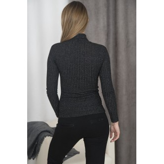 A blouse with golf black
