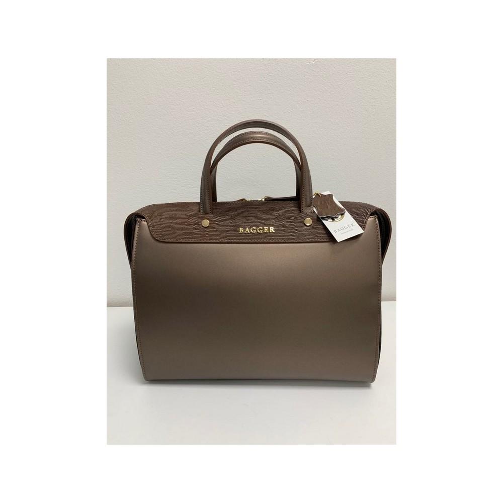 Štýlová talianska kabelka ručne vyrobená z pravej kože. ručná výroba ... bd1f7a21973